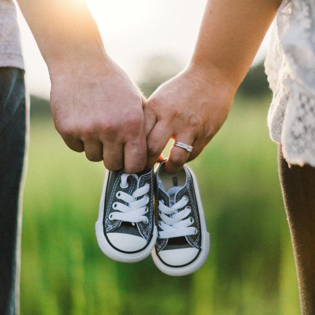 может ли суррогатная мать оставить ребенка себе